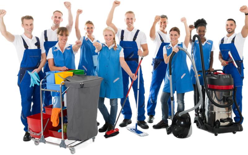 đội ngũ nhân viên dịch vụ vệ sinh đá hoa cương